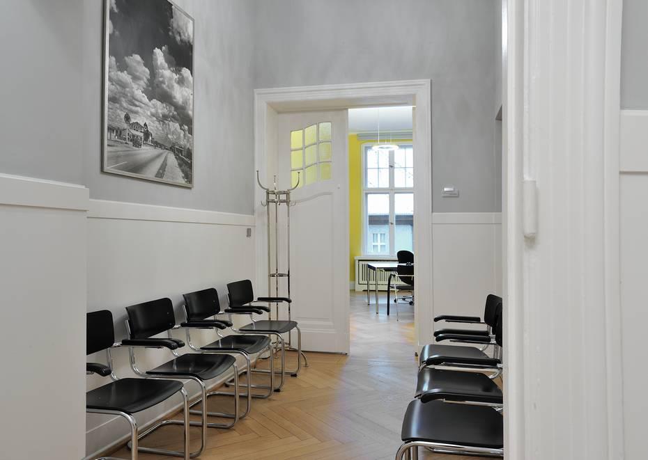 farrow and ball berlin alles ber wohndesign und m belideen. Black Bedroom Furniture Sets. Home Design Ideas