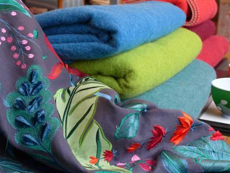 stoffe und inneneinrichtung mit exklusiver beratung. Black Bedroom Furniture Sets. Home Design Ideas